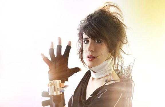 Imogen Heap Performance with Musical Gloves Demo